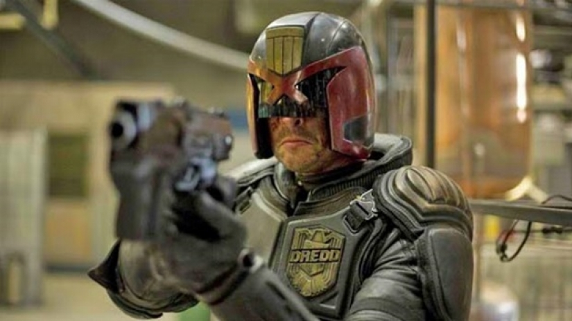 Karl Urban in talks to reprise Dredd role for New Series