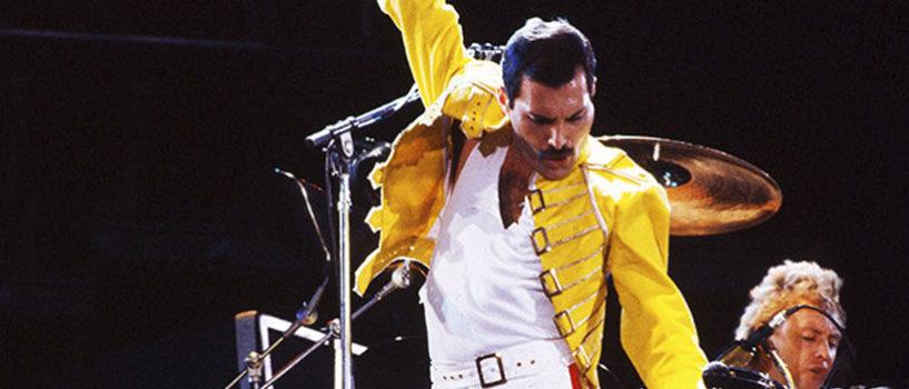 """First look at Rami Malek as Freddie Mercury in """"Bohemian Rhapsody"""""""