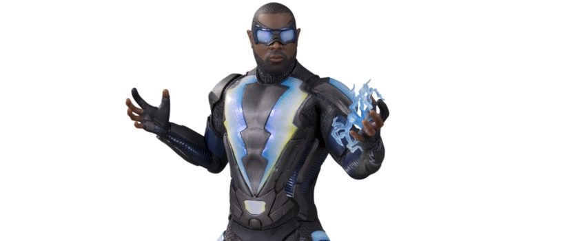 DCTV: Black Lightning Statue Preview