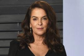 Annabella Sciorra to take Villain Role in Luke Cage Season 2