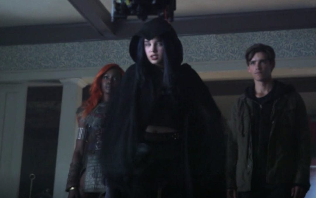 EXCLUSIVE: New Images From The Original 'Titans' Season One Finale