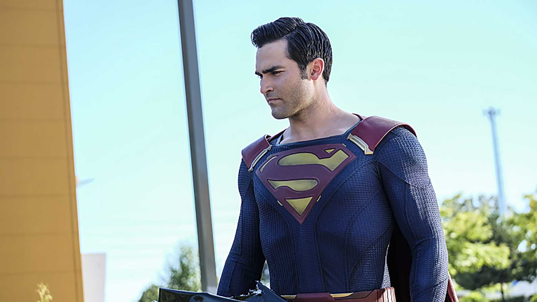 Superman Series Coming to CW (Video)