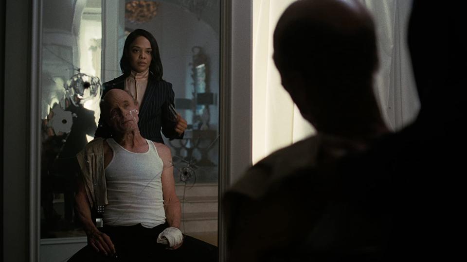 Westworld: Fake Hale helps William shave.